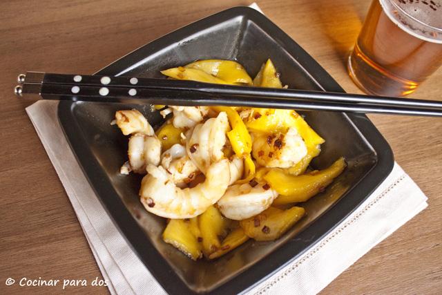 Ensalada mango y langostinos