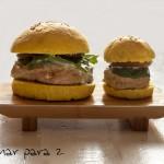 Hamburguesa de pollo en pan de cúrcuma y curry con #LekueBurger